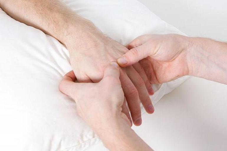 Как проводится пальпация суставов