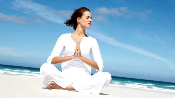 Упражнения в менопаузе: лечебный комплекс, йога, гимнастика