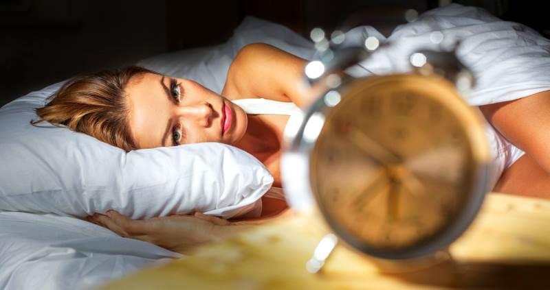 Нарушение сна при климаксе: лечение, препараты